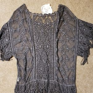 Simply Couture short sleeve lace blouse